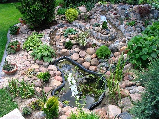 Приклади використання каменю в саду